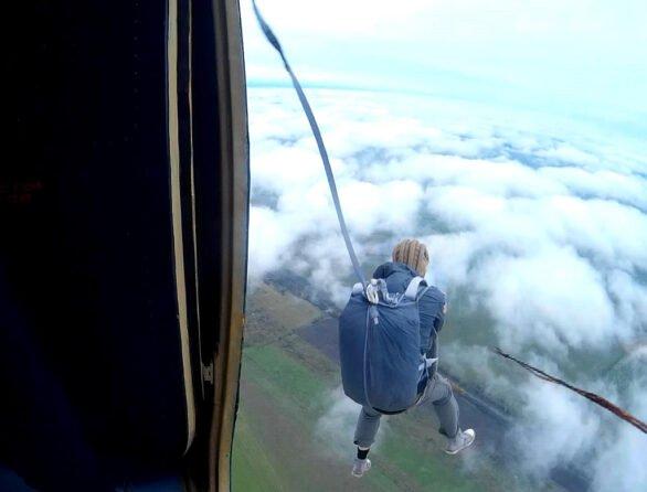 Самостоятельные прыжки с парашютом